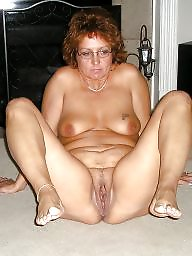 Mature spreading, Amateur spreading, Spread, Leg, Mature slut, Legs spread