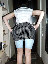 Girdles, Mature upskirt