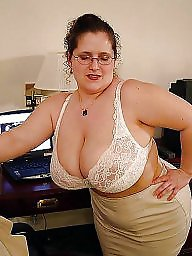 Huge boobs titty milf bbw