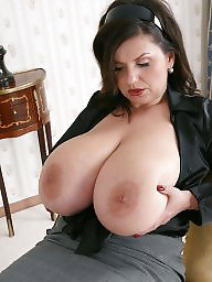 Bbw takes it hard from bbc