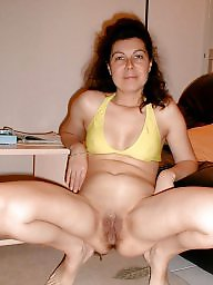 Shapely, Hairy mature
