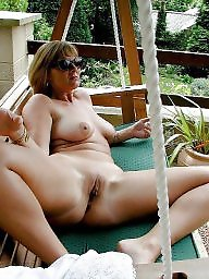 Mature pussy, Outdoor