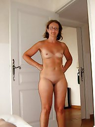 Mature amateur, Amateur mature, Scandal