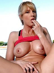 Milf flashing, Flashing milf