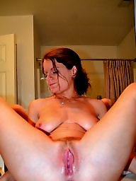 Spreading, Amateur mature, Spread, Moms, Legs, Mom