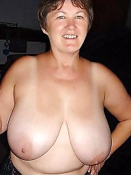 Gilf, Mature boobs
