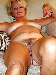 Bubble butt milfs fuck repair man