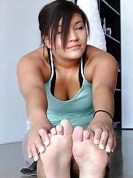 Feet, Mature