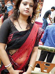 mature saree Outdoor flashing hot aunty