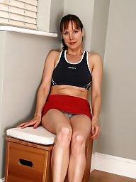 Skinny milf, Mature legs, Skinny mature, Leg, Leggings, Milf legs