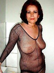 Gilf, Mature boobs