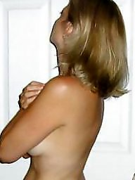 Moms, Voyeur, Unaware, Milf mom, Mom, Mature