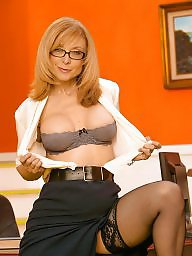 Lingerie, Office