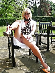 Upskirt mature, Amateur mature