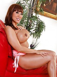 Mommy, Ava devine