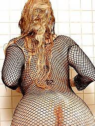 Fishnet, Sara, Shower
