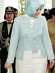 Hijab, Class, First