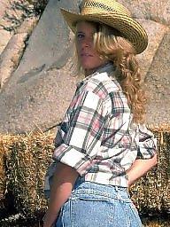 Mature ass, Farm
